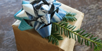 """Green"" Gift Wrapping Ideas"